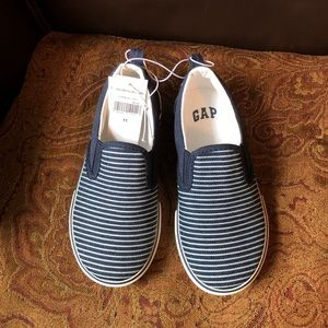 NWT Gap slip on shoes